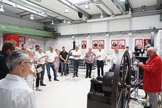 BME-Region Köln besichtigt Deutz-Motorenfertigung